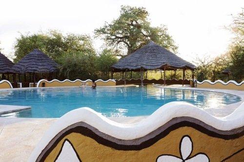 planet baobab zwembad.jpg