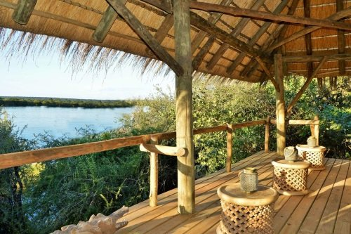 chobe bakwena lodge chill out uitzicht over rivier.jpg