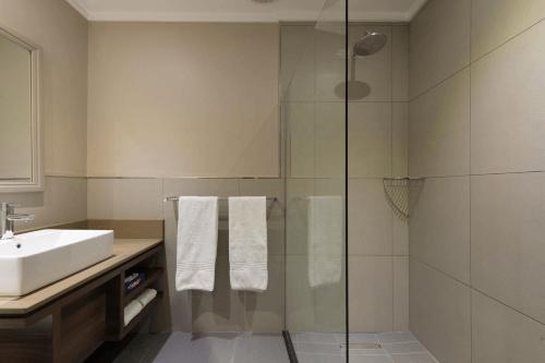 birchwood executive hotel badkamer.png