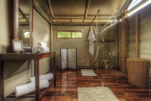 shinde camp badkamer.png