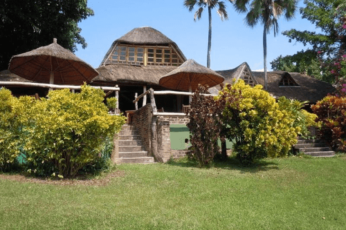 ngala beach lodge buitenkant.png