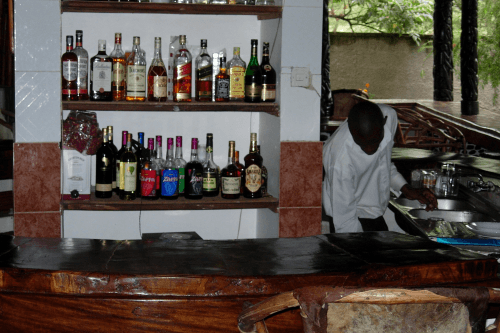 ndoro lodge bar.png