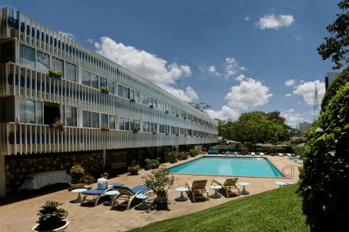 sentrim boulevard hotel zwembad.png