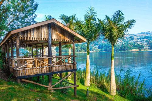 lake bunyonyi overland resort aan het meer.png