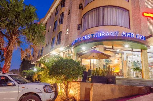 hillside plaza hotel buitenkant.png