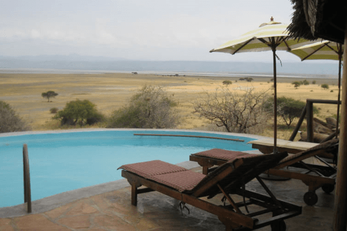rift valley photographic lodge zwembad.png