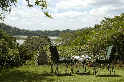 arusha serena hotel uitzicht tuin.png