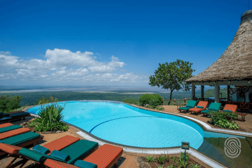 lake manyara serena safari lodge zwembad.png