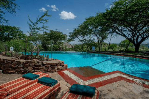 serengeti serena safari lodge zwembad.png