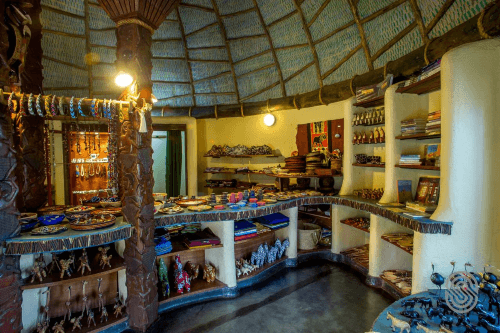 serengeti serena safari lodge souvenierwinkeltje.png