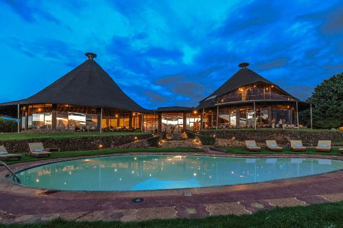 ngorongoro sopa lodge zwembad.png