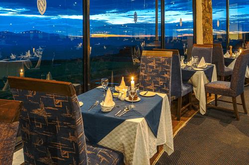 ngorongoro sopa lodge restaurant.png