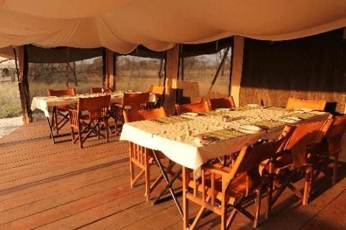 serengeti kati kati tented camp gemeenschappelijke tent.png