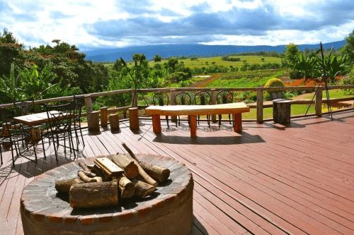 ngorongoro farmhouse uitzicht.png