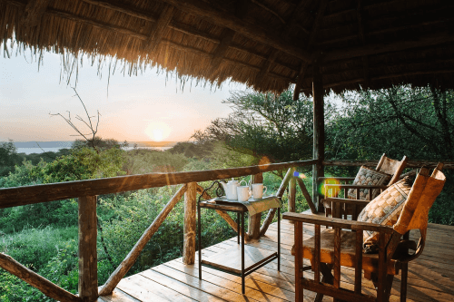 lake burunge tented camp terrasje.png