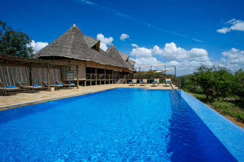 lake burunge tented camp zwembad.png