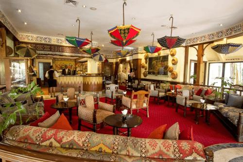 nairobi serena hotel receptie.png