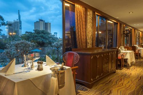 nairobi serena hotel diner.png