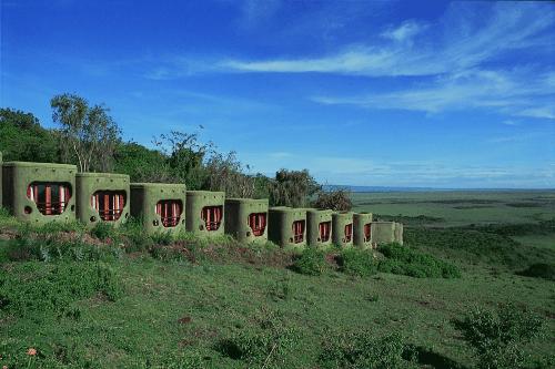 mara serena safari lodge kamer buitenkant.png