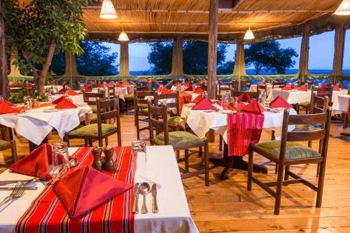 mara serena safari lodge restaurant.png