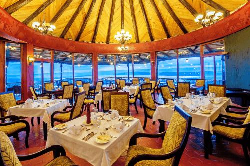 lake nakuru sopa lodge restaurant.png