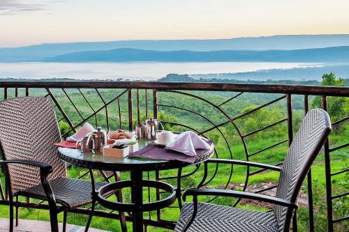 lake nakuru sopa lodge balkon 2.png