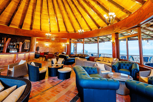 lake nakuru sopa lodge lounge bar.png