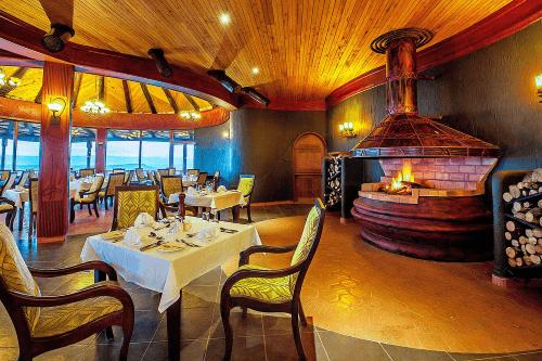 lake nakuru sopa lodge restaurant 2.png