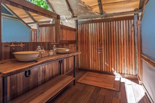 saguni safari lodge badkamer.png
