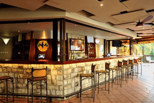 victoria falls waterfront bar.png