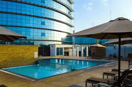 the boma nairobi zwembad.png