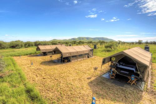 kananga special tented camp buitenkant tent.png