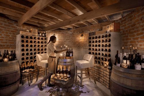 nyamatusi camp wijnkelder.png
