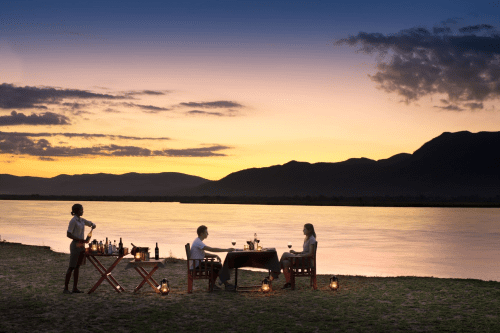 nyamatusi camp dineren zambezi rivier.png
