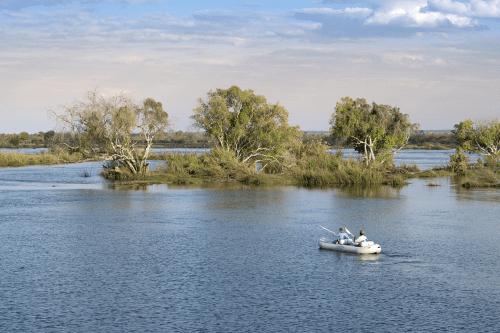 thorntree river lodge kano activiteit zambezi rivier.png