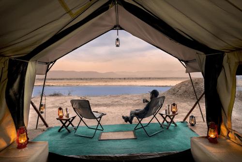 zambezi expeditions uitzicht vanuit de tent.png