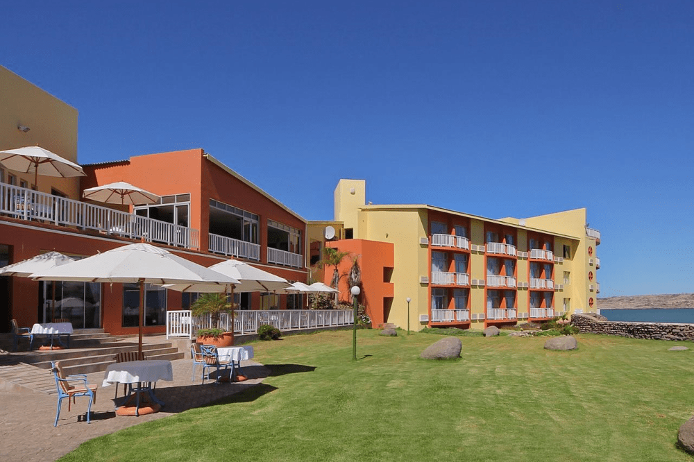 luderitz nest hotel tuin.png