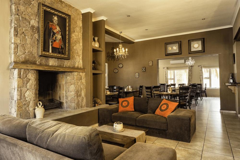 zum kaiser hotel lounge.png