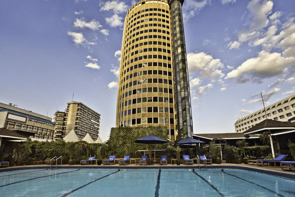 hilton nairobi voorkant zwembad.png