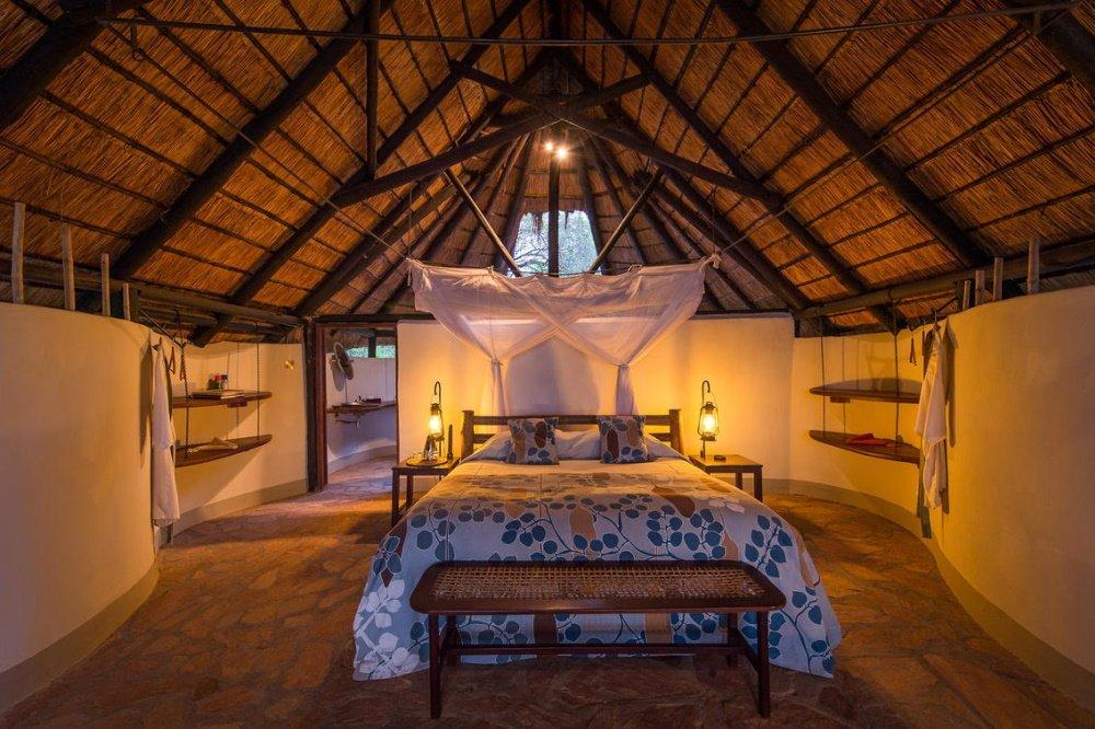 nkwali camp chalet van binnen.jpg