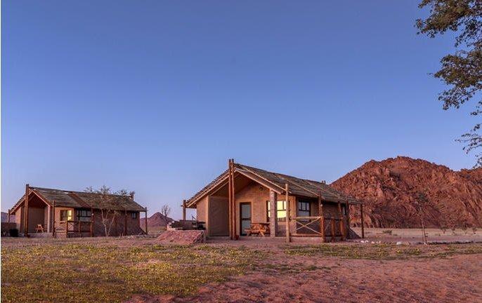 bushman's desert camp 004.jpg