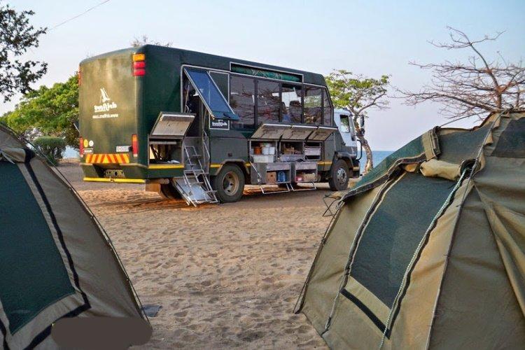 drifters truck en tent.jpg
