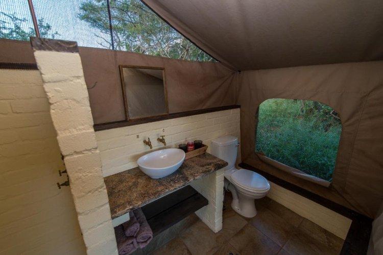 zululand lodge badkamer.jpg