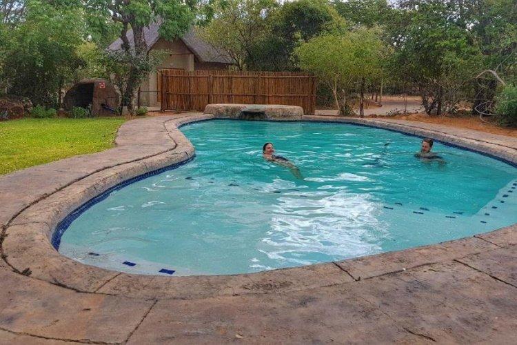 awelani lodge zwembad.jpg