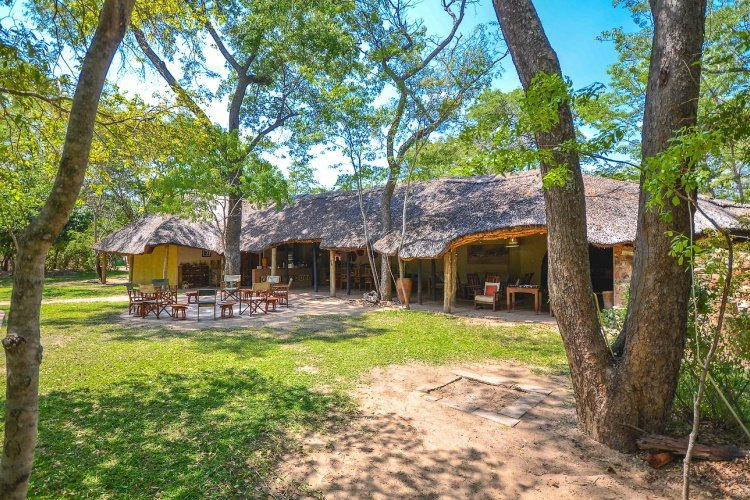 miombo safari lodge terrein 002.jpg