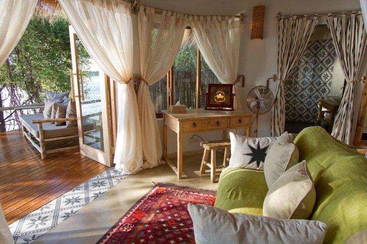 tongabezi lodge river cottage 002.jpg