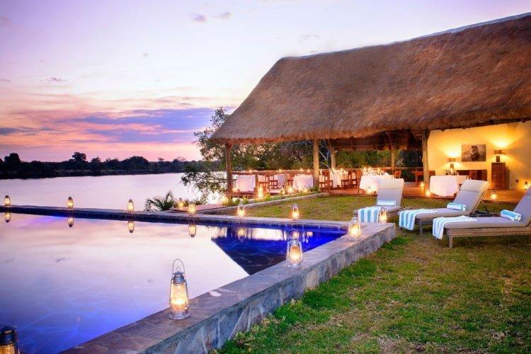 ila safari lodge zwembad.jpg