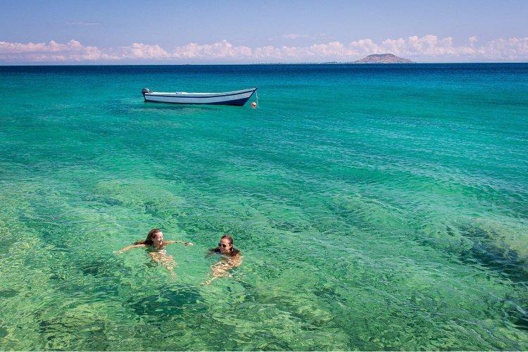 kaya mawa zwemmen zee.jpg