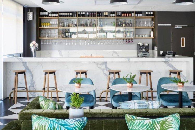radisson blu hotel residence cape town bar.jpg