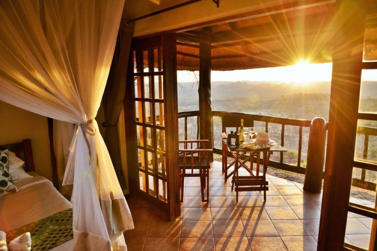 shashani matobo hills lodge kamer balkon.jpg